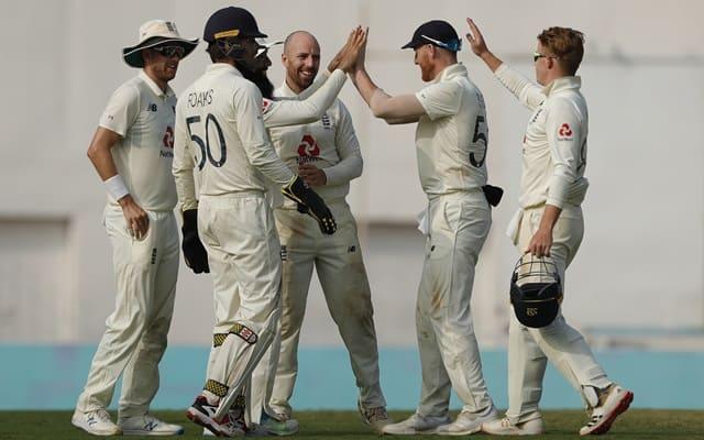 Jack Leach & England players